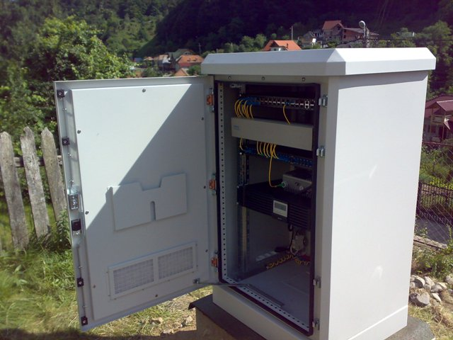 BroadBand Outdoor Cabinet & Digital Telecomms - BroadBand Outdoor Cabinet - Outdoor Cabinet ...